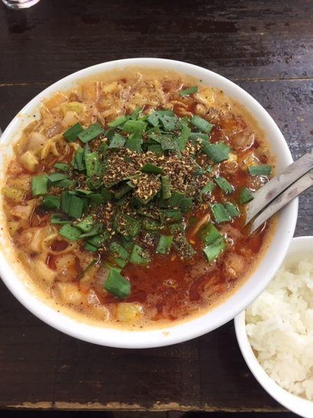 「勝浦タンタン麺 850円 サービスライス付き」@ビンギリの写真