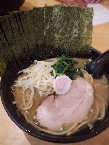 「ラーメン+のり」@横浜ラーメン てっぺん家 元住吉店の写真