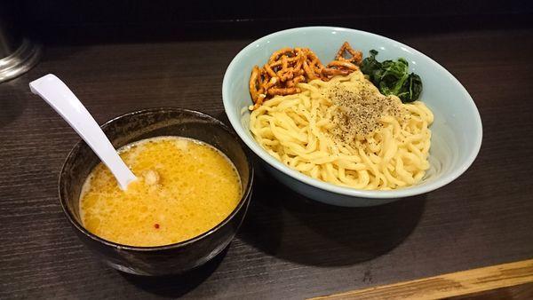 「ゴルゴンゾーラ豚骨塩つけ麺・大盛り 800+100円」@三鷹食堂いなりの写真