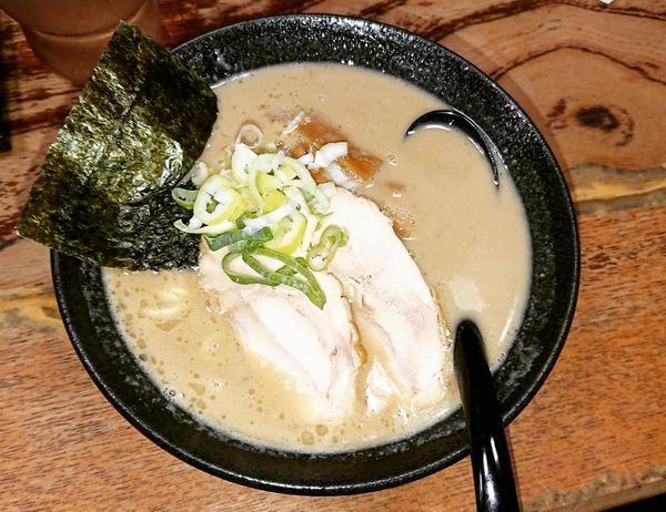 「鶏白湯らーめん 720円」@気むずかし家の写真