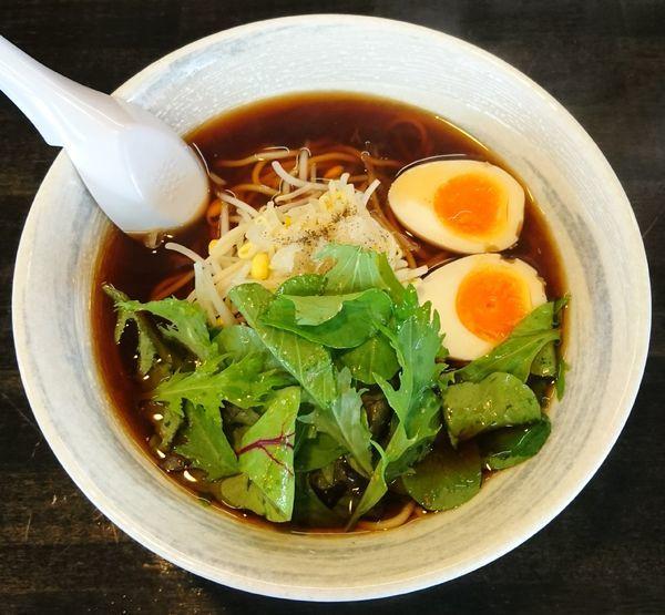 「醤油ラーメン+味玉」@麺屋KENJUの写真