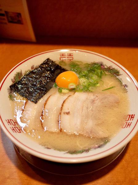 「ラーメン…700円+生玉子…100円」@一休軒 広島本店の写真