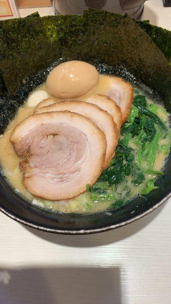 「醤油チャーシュー麺」@ゴル麺 横浜本店の写真