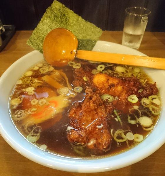 「から揚げらーめん」@元祖帯麺 梅田飯店の写真