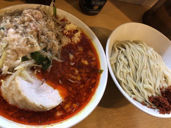 「辛麺小豚入り+つけ麺」@豚星。の写真