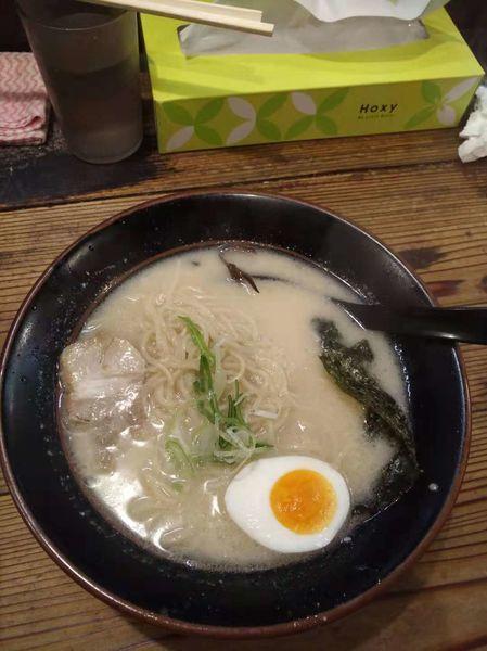 「九州豚骨ラーメン」@濃厚とんこつ醤油 鶴亀家の写真