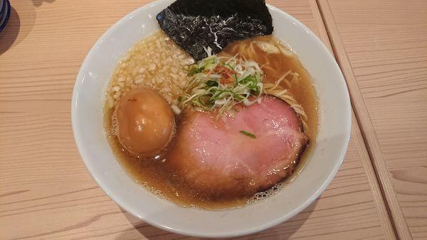 「【限定30食】煮干しそば(850円)+味玉(100円)」@支那そば しんばの写真