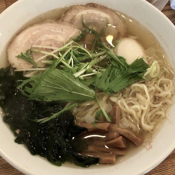 「潮風らーめん(しお・平打ち麺)+煮たまご」@らーめん榎穏の写真
