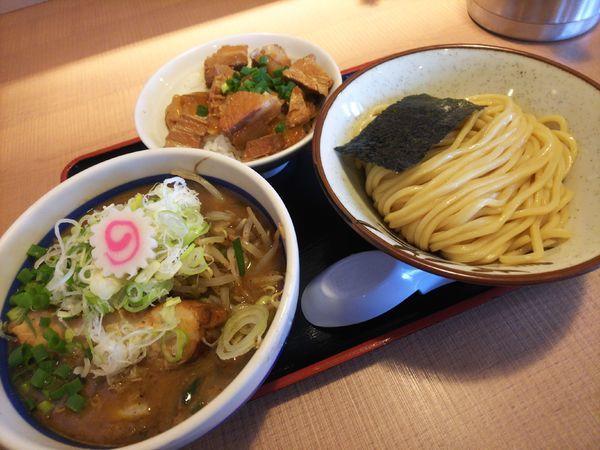 「野菜つけ麺900円&煮込みチャーシュー丼200円」@大勝軒てつの写真