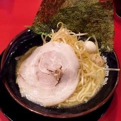 横浜家系ラーメン 新松木大和家の写真