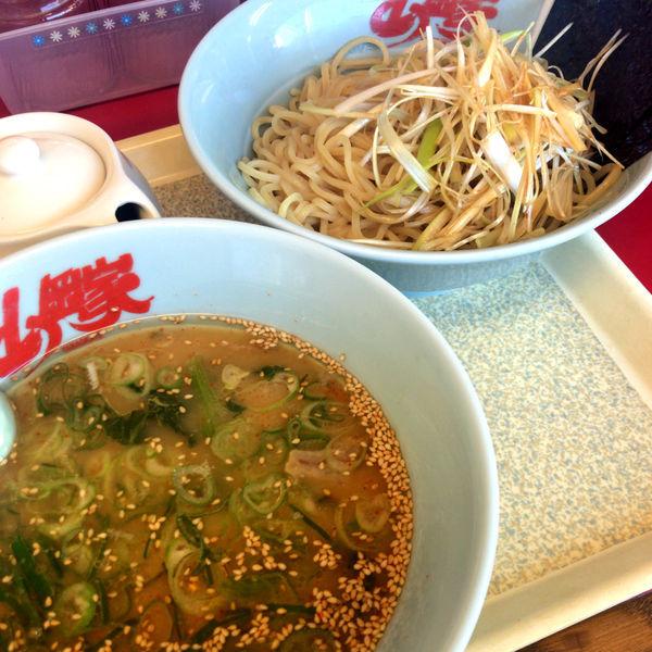「醤油つけ麺 740円 味付けネギ 0円」@山岡家 館林店の写真