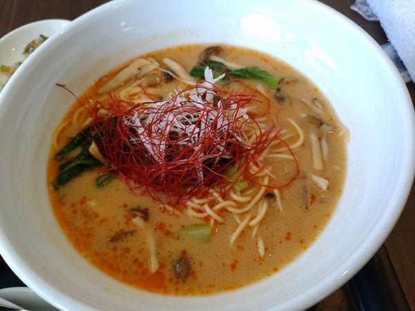 「担々麺と小さな海老丼セット1680円」@瀬田ゴルフコースクラブハウスレストランの写真