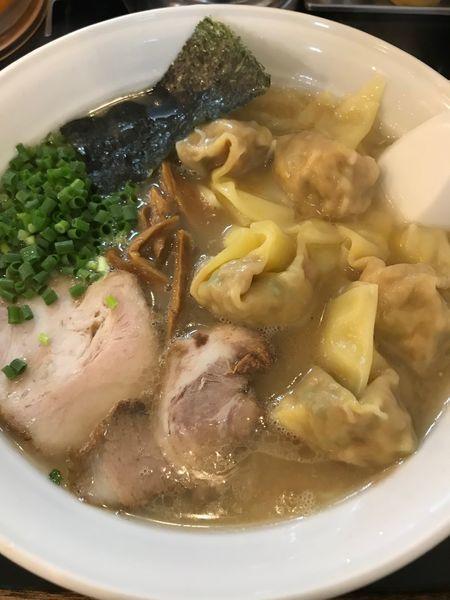 「雲呑麺(大盛り)」@らーめん 茂木の写真