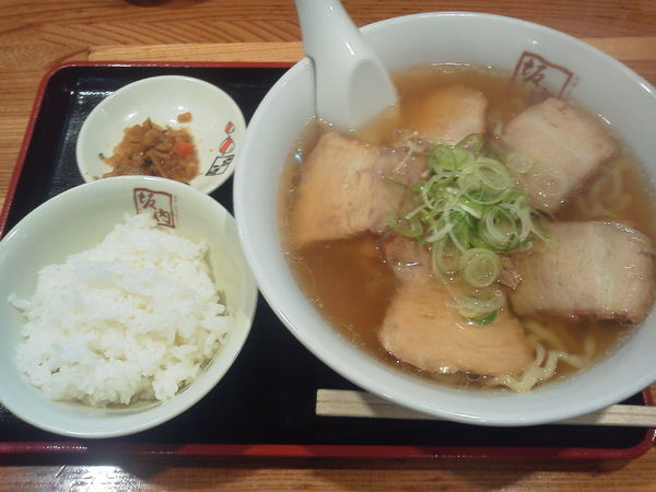 「喜多方ラーメン 650円」@喜多方ラーメン 坂内 歌舞伎町店の写真