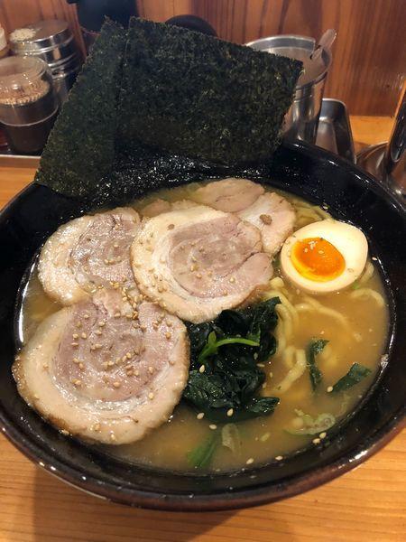 「チャーシュー麺並、硬め濃いめ」@横浜らーめん ねぎし家の写真