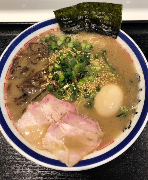 「らーめん味玉入り」@博多長浜らーめん 田中商店 ダイバーシティ東京プラザ店の写真