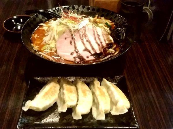 「前橋辛タンメン(大盛・普通辛)850円+餃子(5個)300円」@麺屋 燦鶴の写真