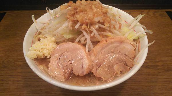 「ラーメン大盛(細麺400g・ヤサイニンニクアブラ)」@眞久中の写真