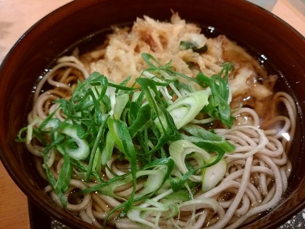 「野菜かき揚げそば430円」@浪花そばの写真