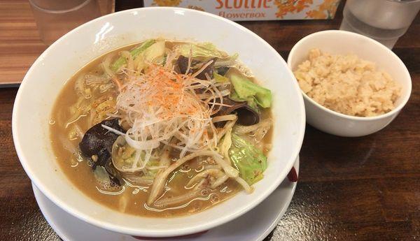 「濃厚みそラーメン(限定)+煮干し炊き込みご飯」@拉麺一匠 DEAD OR ALIVEの写真