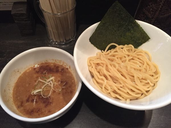 「濃厚ニボつけ麺」@煮干しそば 虎愼 八幡山店の写真