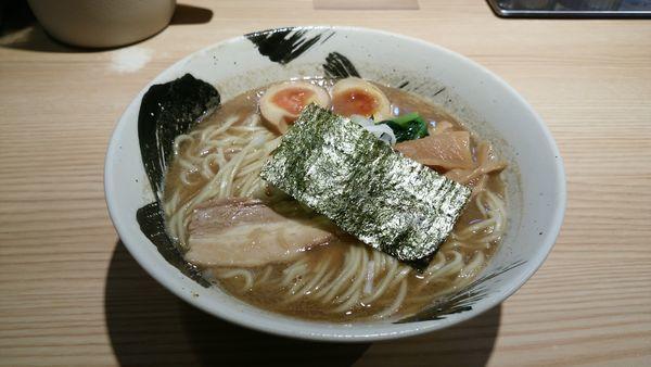 「中華そば 味玉」@麺屋 みちしるべ 二子玉川本店の写真