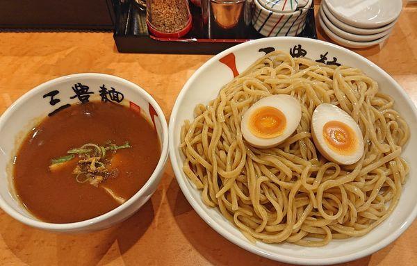 「濃厚魚介つけ麺930」@三豊麺 尼崎店の写真