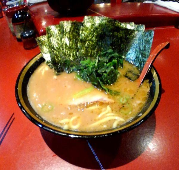 「醤油豚骨ラーメン(海苔増し)」@厚木家の写真