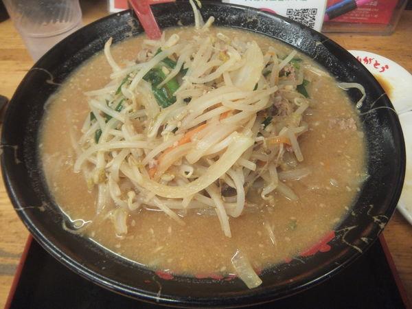 「味噌らーめん734円(太麺・ニンニク・豆板醤)・半餃子」@めん王 若柴店の写真