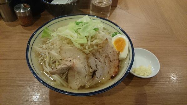 「醤油とんこつ・大盛・柔らかめ(ヤサイアブラ)¥890」@らーめん勇の写真