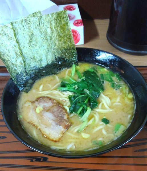 「豚骨醤油ラーメン(海苔増し)」@楽萬家の写真