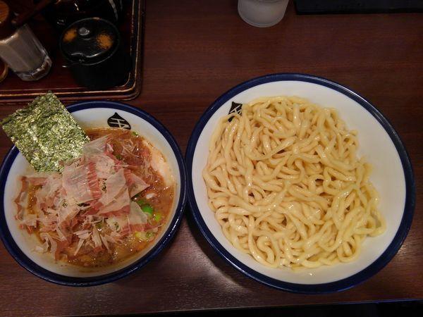 「つけ麺(中)800円あつもり」@つけめん 玉の写真