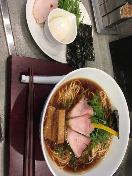 「山 特製 熟成醤油鶏そば」@ソバダイニング クワトロの写真