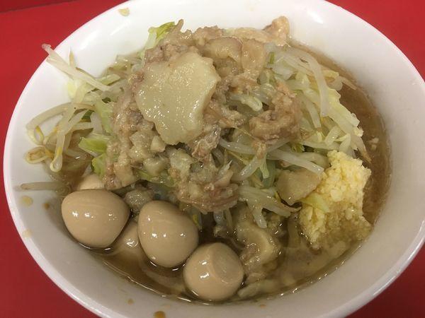 「麺半分豚2枚+うずら」@ラーメン二郎 茨城守谷店の写真