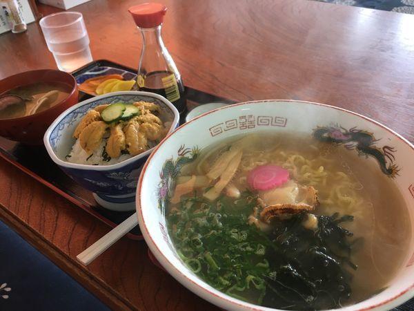 「ほたてラーメン(塩味)+ミニうに丼」@食堂 最北端の写真