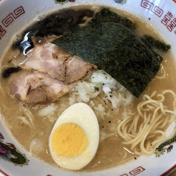 「とんこつ正油+黒マー油」@ザ・東京豚骨ラーメン屋 SAKU 牛久店の写真