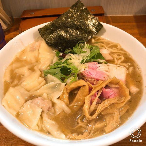 「ワンタン麺」@自家製麺ラーメンKの写真