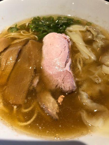「醤油海老ワンタン」@らーめん 本竈 エスパル仙台店の写真