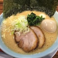 横浜家系ラーメン 清六家 守谷店の写真