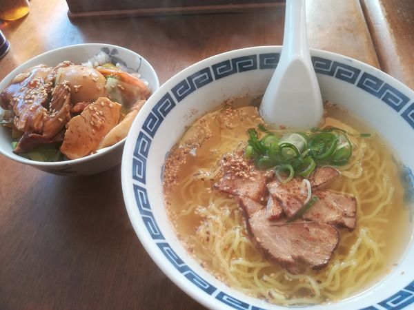 「Bセット(らーめん+小ぶりの角煮丼)」@あすからーめんの写真