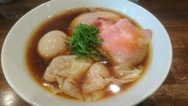 「特製醤油拉麺(大盛り)」@創作麺工房 鳴龍の写真