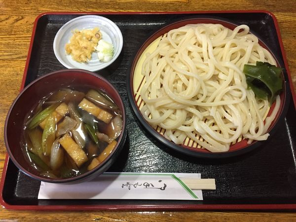 「肉汁うどん¥600+瓶ビール¥550」@真の写真