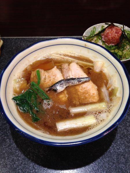 「三くセット(かけ、ネギトロごはん)」@烈志笑魚油 麺香房 三くの写真