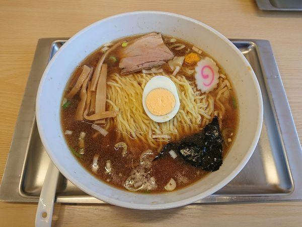 「ワンタン麺(普1.5玉) 900円」@中華そば 大咲の写真