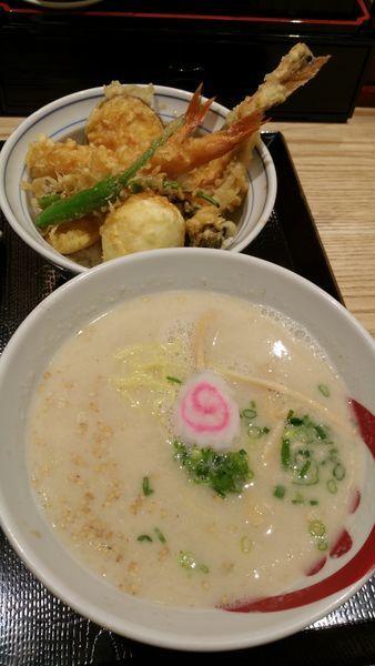 「天丼とらぁ麺」@天丼・らぁ麺 ハゲ天の写真
