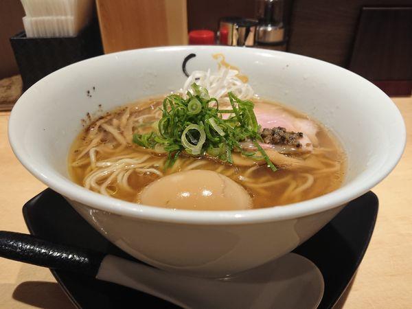 「そば(醤油)+味玉」@SOBAHOUSE 金色不如帰 新宿御苑本店の写真