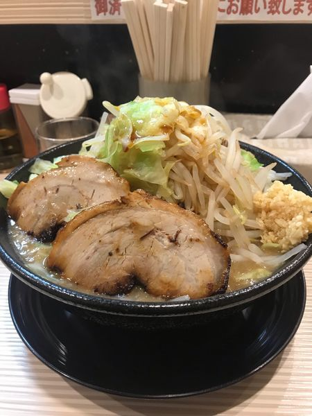 「二郎系、煮干し(濃い目)+大盛り+ヤサイマシマシ」@ラーメン ポール亭の写真