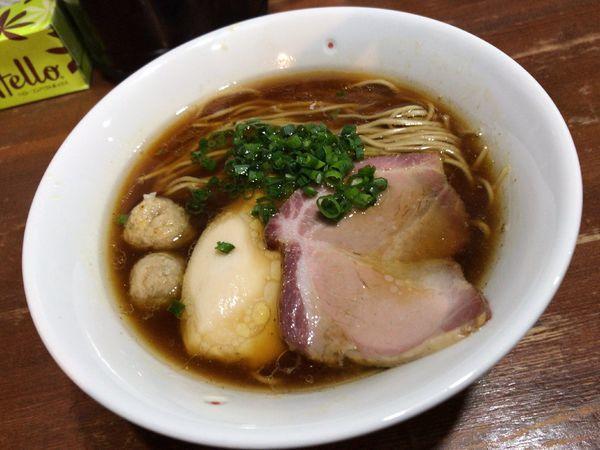 「芳醇醤油鶏そば」@麺や 而今 大東本店の写真