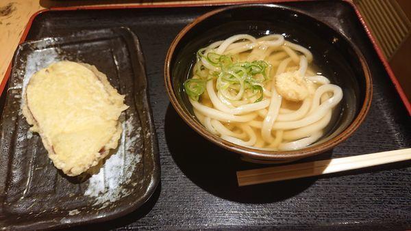 「あつかけ 350円 +さつまいも天」@讃岐うどん大使 水道橋麺通団の写真