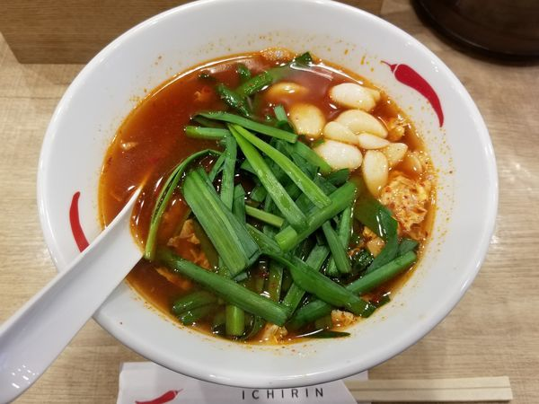 「辛麺(並盛)+にんにく増+ニラ増」@辛麺屋 一輪 池袋店の写真